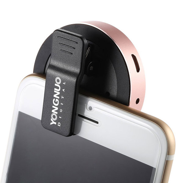 Yongnuo-yn06-clip-on-smartphone-flitser-rose-gold 3